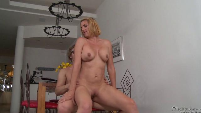 young couples free sex video
